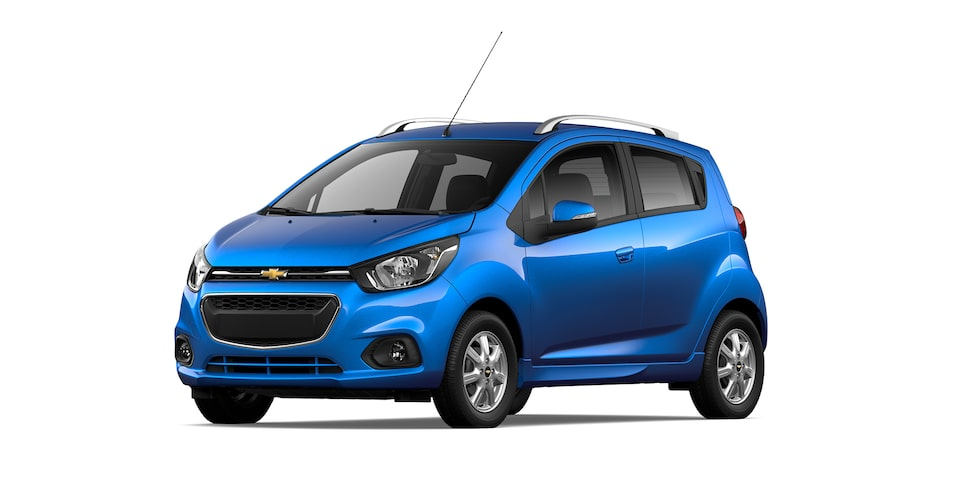 Chevrolet Beat HB 2021, auto hatchback en color índigo